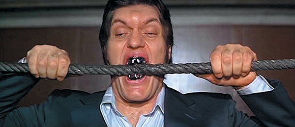 The Spy Who Loved Me Jaws bits a cable
