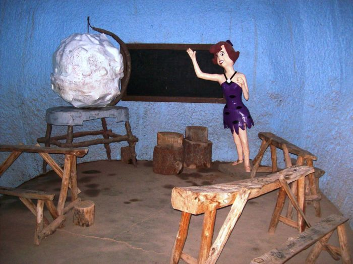Abandoned-Flintstones-amusement-park-Arizona31