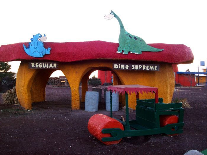 Abandoned-Flintstones-amusement-park-Arizona34