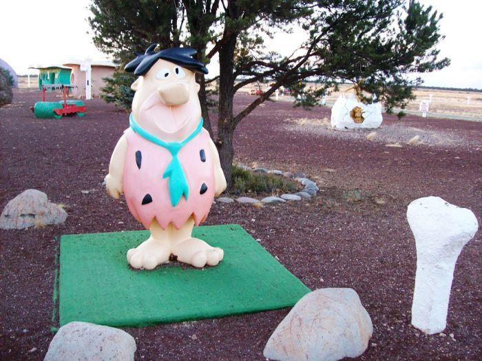 Abandoned-Flintstones-amusement-park-Arizona41